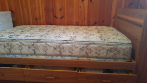 Single bed 175$