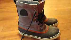 Excellent condition mens size 10 winter boots