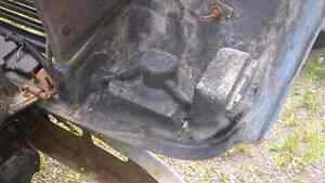 Nice front clip for a 4800 international truck London Ontario image 4