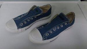 Converse All Star Running Shoes – size mens 8 / ladies 10