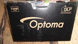 Optoma HD 200x Tru HomeTheatre Projector w Remote Screen.