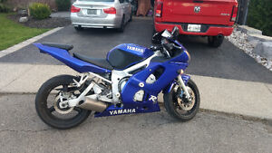 2000 R6 . Great running machine . *Trade for 750 +