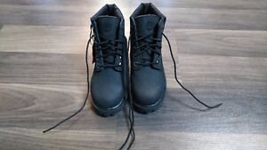 KIDS(BOYS OR GIRLS) ALL BLACK TIMBERLAND BOOTS SIZE 11 London Ontario image 1