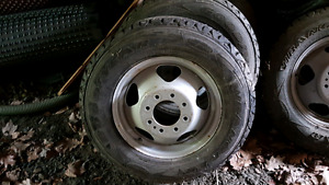 Like new Goodyear Chevy or gmc dually tires and rims 225/75R17