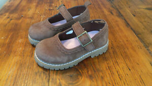 Girl's Mary Jane Shoes, Size 7 Baby Gap / Souliers filles