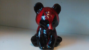 Canuck Pottery Bear/Ours en Pottrie Canuck