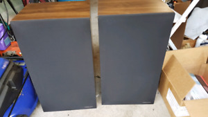 Realistic Optimus 800c speakers