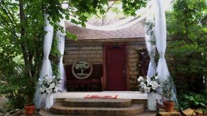 Niagara Falls Rose Cottage outdoor Wedding Ceremony Chapel