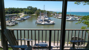 Picturesque Harbor Front Retreat with Great Views - KINCARDINE
