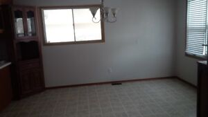 House for rent - 3 bedroom bungalow for rent available Kitchener / Waterloo Kitchener Area image 5