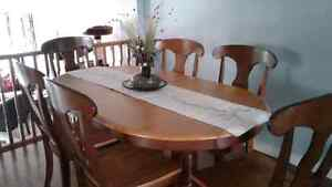2 Tone Fruitwood Dining Table with 6 Chairs