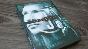 THE X-FILES SEASON 3 (RARE DVD EDITION) IN MINT CONDITION