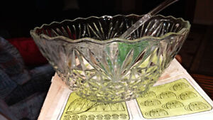 punch bowl (with 12 cups)