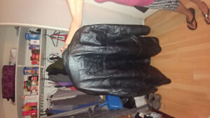 Mens leather jacket, size XL. Hardly worn ,next to new.