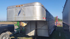 32' Featherlite Livestock Trailer