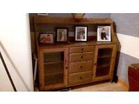 sideboard,/dresser