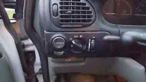 1997 Plymouth Voyager Windsor Region Ontario image 6