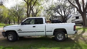 1998 Dodge Power Ram 2500 12 valve Laramie Pickup Truck