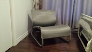 Chaise basse