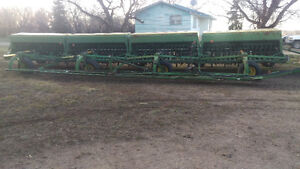 40 ft Jd 9350 hoe drills field ready for sale