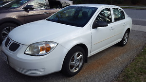 2005 Pontiac Pursuit Sedan- Drives great and priced to sell!