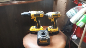 dewalt drill set 18v with charger hardly used