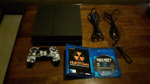 Ps4 with camo controller, Black Ops 3 & cables