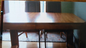 Oak Table and four chairs