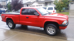 2002 Dakota pick up make an offer