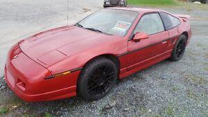 1987 Pontiac GT Fiero Coupe (2 door)