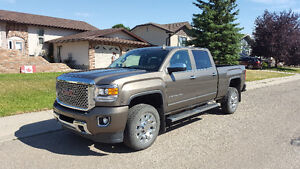 2015 GMC DENALI HD 2500 Pickup Truck