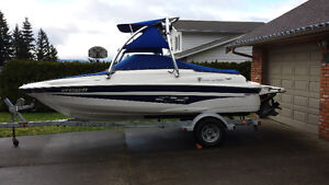 20' Campion Allante 545i Bowrider with EZ-Loader Trailer