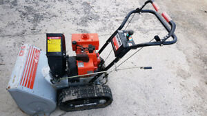 "Tracked Snowblower Sears Craftsman. 5HP 23"" Electric Start"