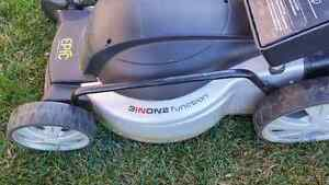 Battery operated, Lawn Mower, Trimmer/Edger/Blower, Wagon, Hose Kitchener / Waterloo Kitchener Area image 4