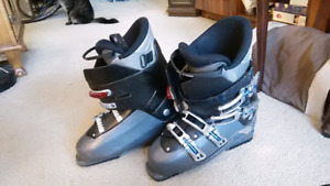 Salomon ski boots Mens size 29 (size 10.5-11.5 US)
