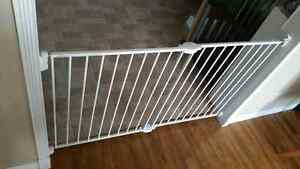 Extendable Baby Gate for sale St. John's Newfoundland image 1