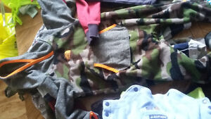 bag of boys clothes mostly 6-12 mths. 30$