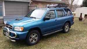 2003 Nissan Pathfinder LE 4d