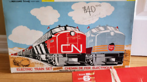 Tri-ang Railways Electric Train Set Canadian 1070/1971 Editions