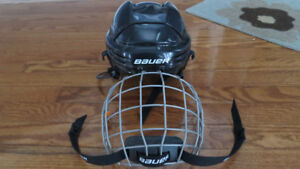 Bauer BMM2100 Hockey Helmet with Face Cage, Size Jr