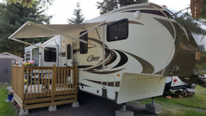 2013 Cougar RES327 5TH WHEEL 36.5 FT
