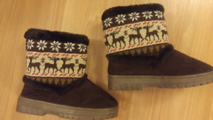 Girls Size 1 - Ugg style boots
