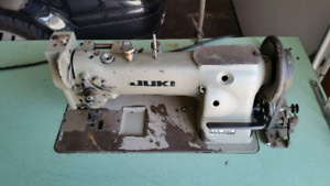 Juki Lu-562 Industrial Sewing Machine