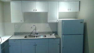 WHITBY STUDIO APPATMENT 995,00 NEW RENOVATED PRIVATE PARKING