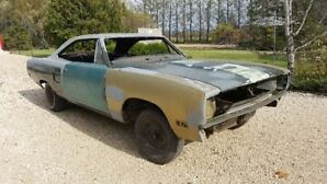 1970 Plymouth GTX 440 4 speed Dana track pack for sale.