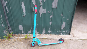 MGP VX5 Pro Scooter in Blue