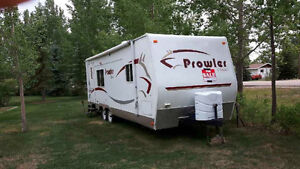 Prowler Classic - 26' Hard Shell Trailer      (OBO- Offers)