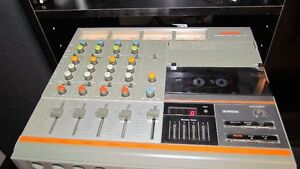 Fostex recorder/mixer model 250