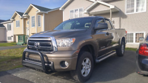 REDUCED 2011 toyota tundra 4x4 doublecab sr5 lifted
