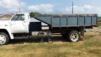 Gmc 7000 6 yard gravel truck